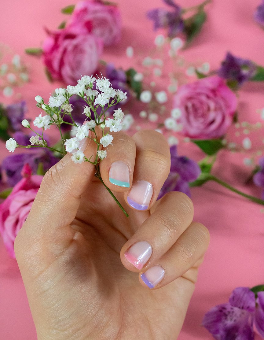PASTEL TIPS MANICURE